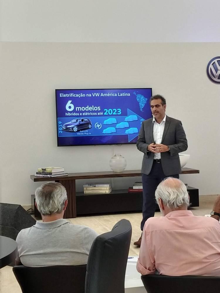 4 de novembro de 2019, a Volkswagen lançou oficialmente o GTE no Brasil. O GTE é um veículo híbrido que substituirá o GTI no Brasil e é o primeiro veículo híbrido da marca no Brasil. [157297621615729762164096716533.jpg]