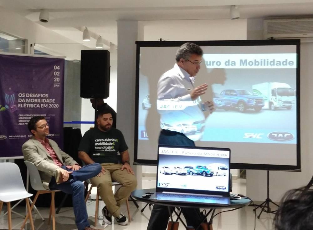 Os desafios da mobilidade elétrica em 2020, evento organizado pelo UCORP Mobilidade realizado na concessionária JAC Motors da Avenida Europa, São Paulo. Palestrantes: Sérgio Habib, Alex Paulino, Guilherme Cavalcante.  [158095879615809587962475851596.jpg]