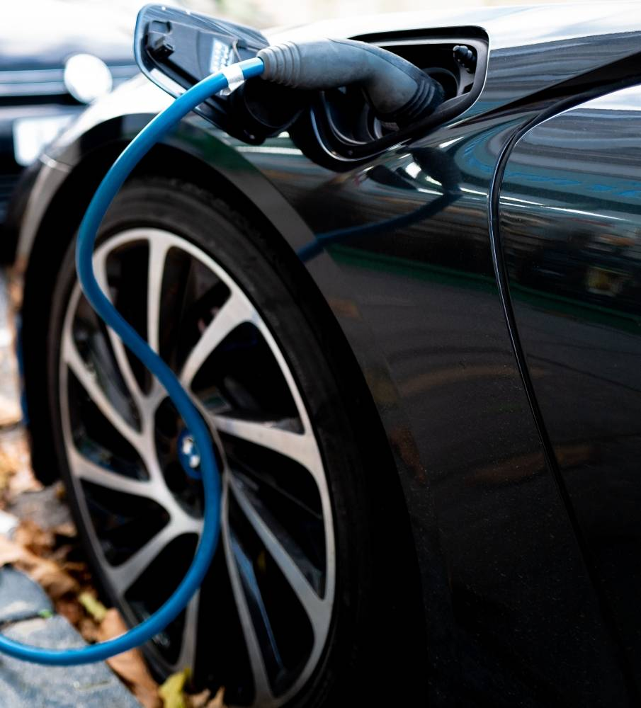 Março de 2021: carros híbridos continuam aumentando, volumes de vendas 100% elétricos relativamente baixos. Vendas de carros elétricos e hibridos Brasil; março 2021. [161897024616189702466321452253.jpg]