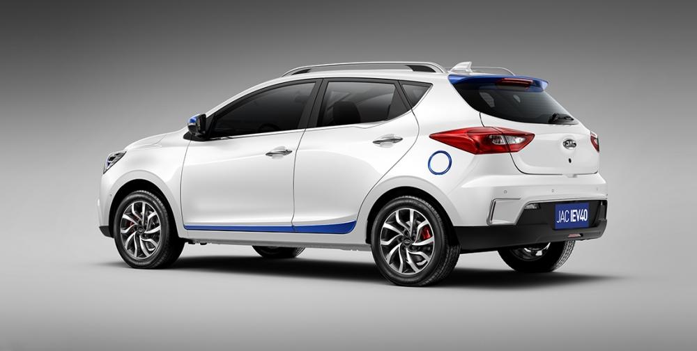 Especificações, preço, teste-drive carro eletrico JAC iEV 40 Brasil. [156140396215614039623409894533.jpg]