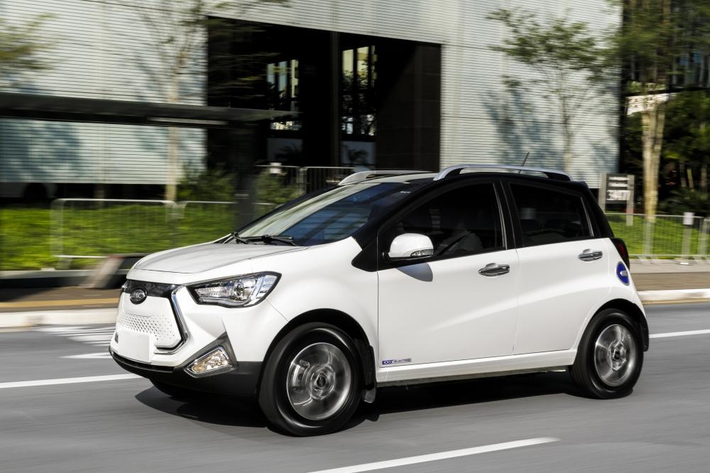 Especificações, preço, teste-drive carro eletrico JAC iEV 20 Brasil. [156873082415687308246663928230.jpg]
