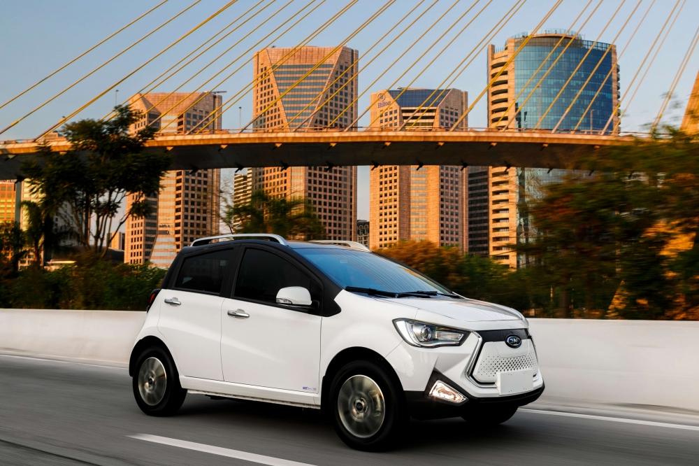 Especificações, preço, teste-drive carro eletrico JAC iEV 20 Brasil. [156873131015687313103992429429.jpg]
