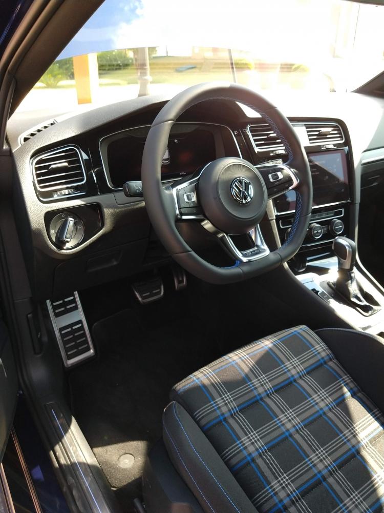 Especificações, preço, teste-drive carro hibrido Volkswagen Golf GTE Brasil. [157291653415729165349977401324.jpg]