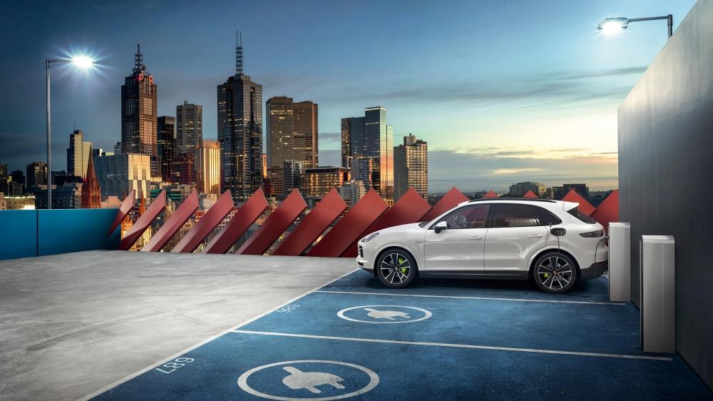 Porsche Cayenne E-Hybrid 3.0 V6 Turbo. Hibrido plug-in.  [158207890715820789074093496230.jpg]