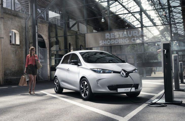 Especificações, preço, teste-drive carro eletrico Renault Zoe Brasil.