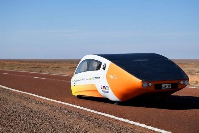 Solar Team Eindhoven (Holanda), vencedor da classe Cruiser do Bridgestone World Solar Challenge!