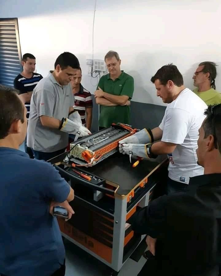 Curso híbridos e elétricos em São Paulo - diagnóstico e manutenção